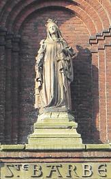 Noeux les Mines, statue de Ste Barbe (en facade de l'église Ste Barbe)