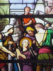 Fresnicourt le Dolmen, église de Notre Dame de la Nativité, vitrail de Ste Constance (choeur côté droit)