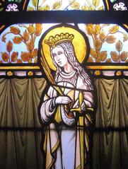 Noeux-les-Mines, église St Martin,vitrail de Ste Catherine, derrière la tribune droite