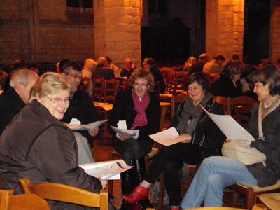 6 groupes d'une dizaine d'adultes avaient pris place dans la nef