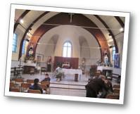 Le choeur de l'église de Maisnil avant la messe