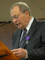 M. Gérard Tabary, chevalier des Palmes académiques