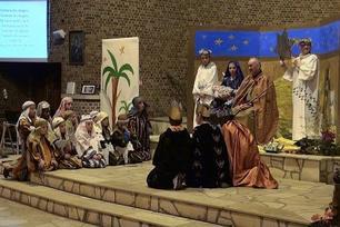 mise en scène de la nativité eglise Saint Piat  Courrières