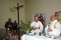 Mgr Jaeger et l'abbé Michel Wiel concélébrant l'office de Noël.