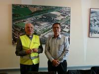 L'Evêque et Mr Carpon, directeur de Bridgestone