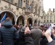 Plus de 5000 personnes dans les rues d'Arras, venu munis d'un crayon et/ou d'une pancarte