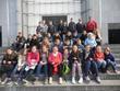 Les jeunes et leurs catéchistes sur les marches de la cathédrale