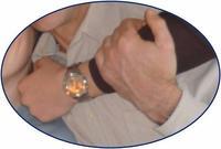 mains serrees