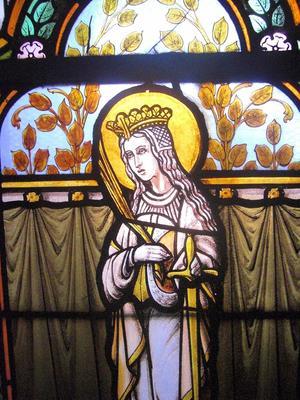 Noeux-les-Mines, église St Martin,vitrail de Ste Catherine (derrière la tribune gauche)
