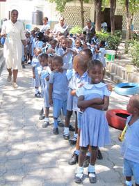 Les petits haitiens a l'ecole