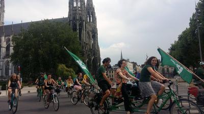Le Tour Alternatiba lors de son passage à Rouen