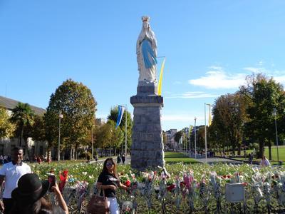 Lourdes11