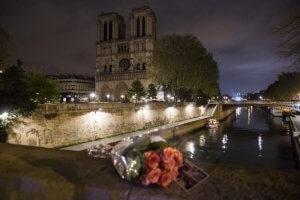 Notre-Dame de Paris ciric_383752-300x200
