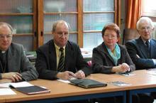 Mgr Jaeger préside la commission. A ses cotés Bernard Fauquet, Bernadette Lebfevre, Jean-Marie Duval