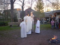 Bénédiction du feu et du cierge pascal