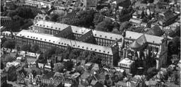 Ensemble Cathédrale et palais saint Vaast