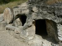 Tombeau creusé dans la roche-près de Nazareth