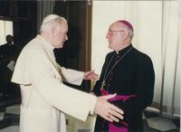 Mgr Derouet et Jean Paul II