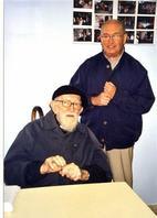 En sept 2002, lors de sa venue à la communauté de  St-Martin-au-Laërt pour inaugurer la plate-forme Emmaüs International