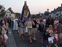 Procession vers l'église