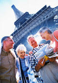 Paris tour Eiffel seniors