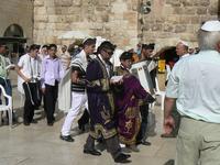 Revevoir les rouleaux de la Torah